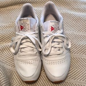 Reebok brand new worn once white classics